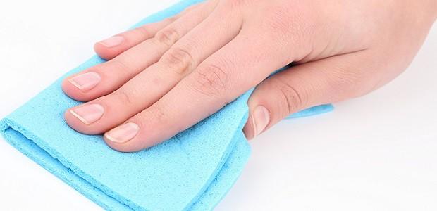 Při mytí buďte opatrní, abyste povrch nepoškodili.