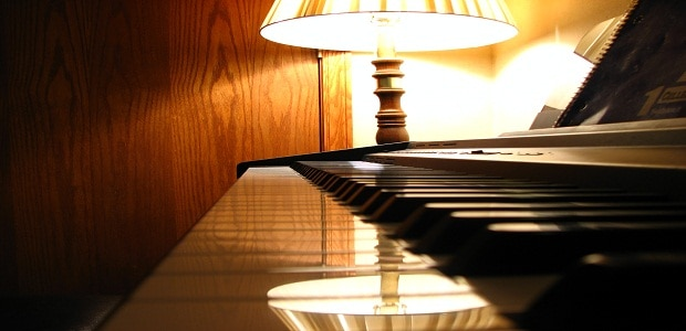 Klavírní večery v kavárně.
