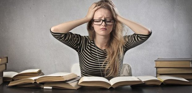 Zkouškové období je noční můrou pro každého studenta.