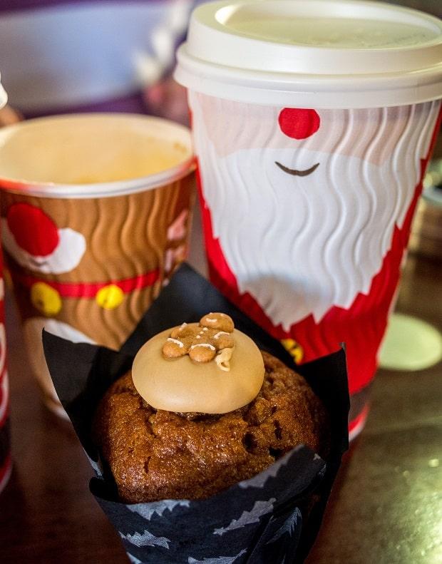 Vánoční Costa Coffee kelímky.