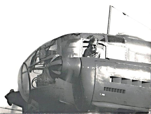Kokpit letounu C-3.