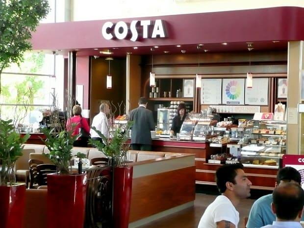 Kavárna Costa Coffee.