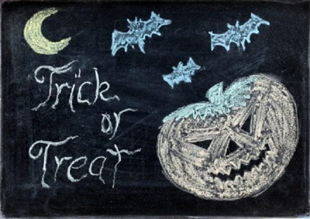 """Děti při koledování říkají """"Trick or treat!"""""""