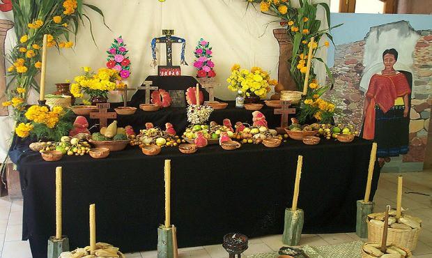 Tradiční oltář.