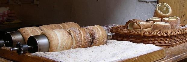 Skořice a cukr jako tradiční český kabátek.
