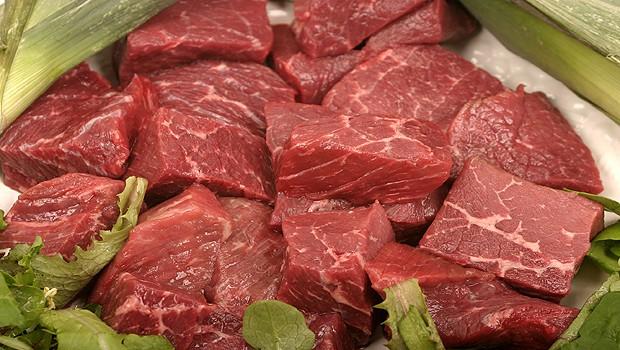 Do guláše používejte hovězí maso.