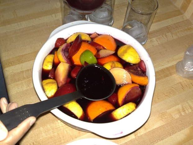Bowle plná čerstvého ovoce lahodí i oku.