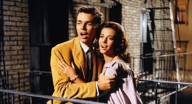 Natalie Wood a Richard Beymer jako Maria a Tony v oscarovém West Side Story.