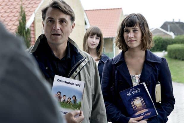 Scéna z filmu Oddělené světy.
