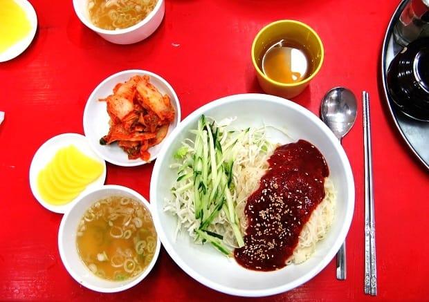 Čínská kuchyně je bohatá na zeleninu.