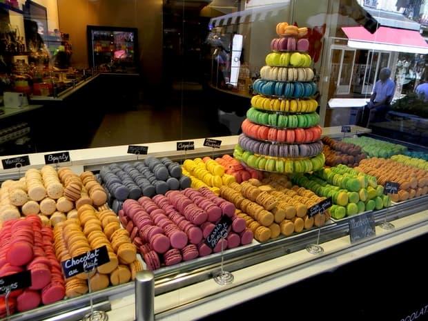 """Kdo by neznal makronky? Do češtiny slovo přešlo z francouzského """"macarons""""."""