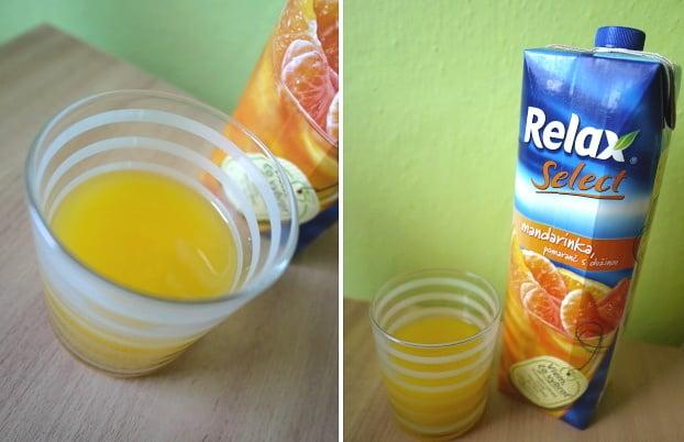 Pomerančový džus je doplněn mandarinkou.