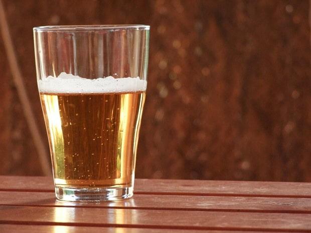 Jen ať to nespadne do piva.