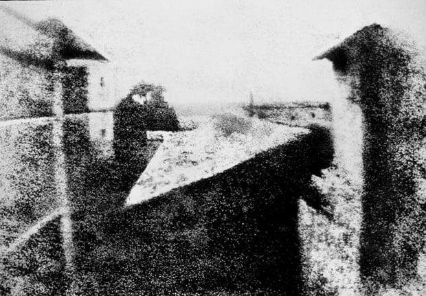 Jedna z prvních fotografií. Vznikala téměř 8 hodin.
