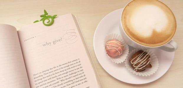 Káva vás probere při usínání nad učením a skvěle se hodí k sladkému zákusku.