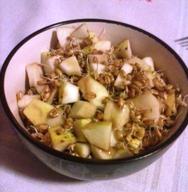 Jablka s pšeničnými klíčky.