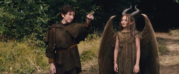 Zlobilka a Stefan jako ještě relativně nevinné děti.