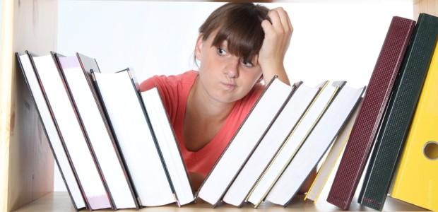 Knihy, knihy, knihy. Je toho prostě moc.