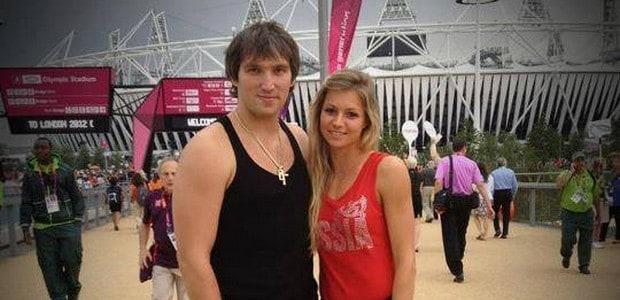 Ruská tenistka Maria Kirilenková a ruský hokejista Alexandr Ovečkin.