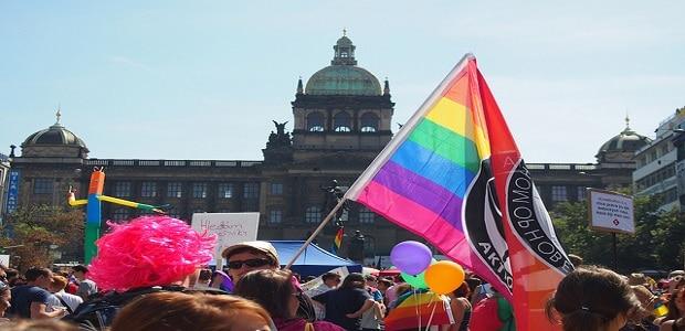 Pochod za práva LGBTI komunity, a tedy i intersexuálů.