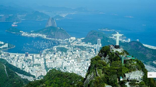 Rio de Janeiro je zasazeno do opravdu krásné krajiny.