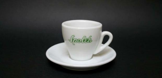 Nezaměnitelný šálek kavárny Spolek.