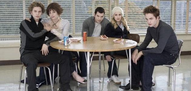 Upírští sourozenci Cullenovi.