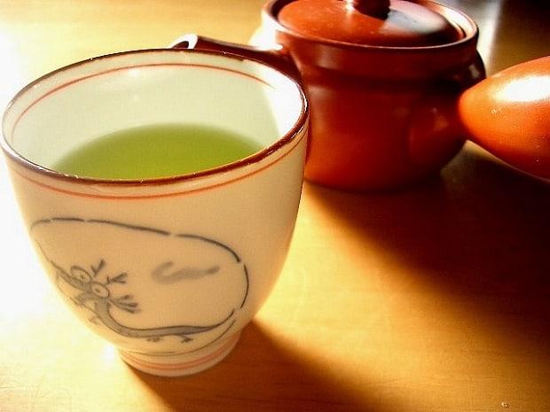 Tradiční zelený čaj.