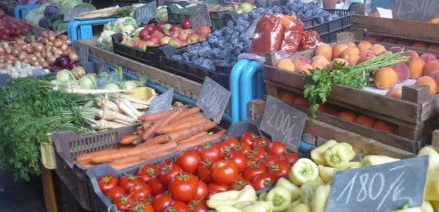 Čerstvé potraviny jsou základem správné výživy.