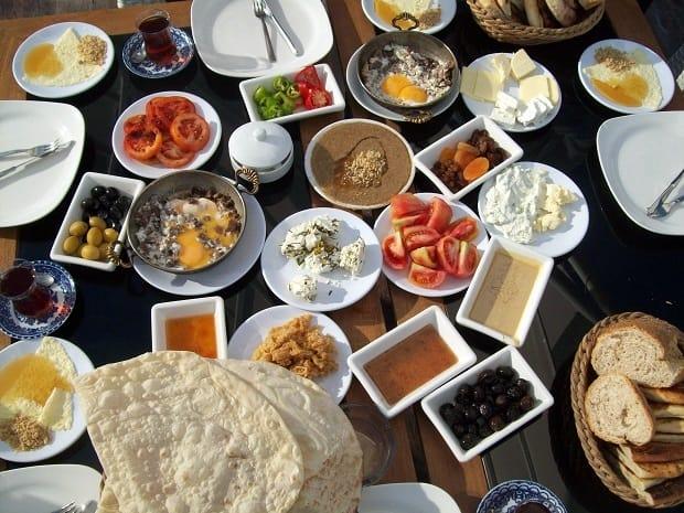 V Turecku je snídaně velká společenská událost.