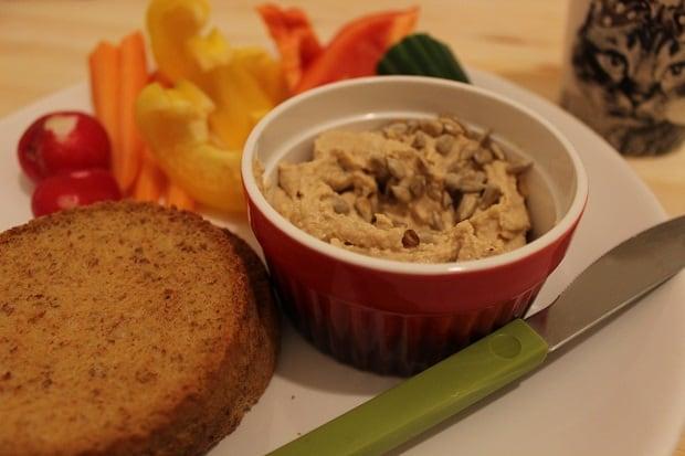 Jako lehká večeře jsou fantastické různé zeleninové pomazánky, mým favoritem se stala Provensálská.