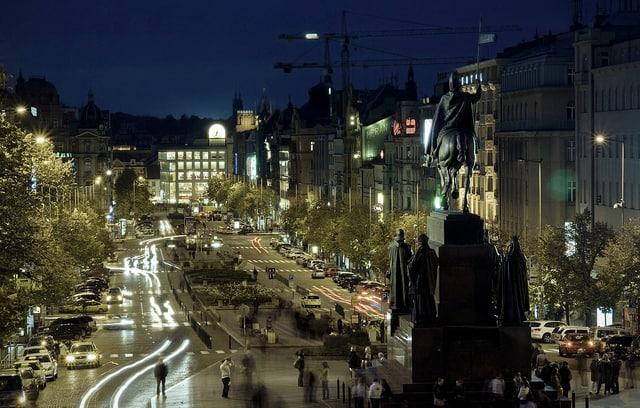 Václavské náměstí v noci.