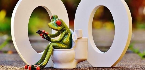 WC nebo také dvě nuly.