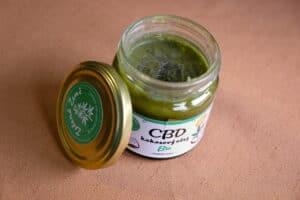 CBD zelena zeme kokosový olej