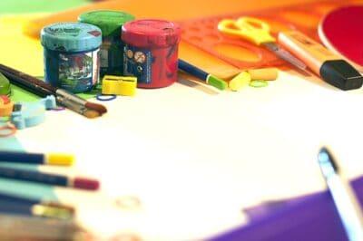 Školní výtvarné pomůcky