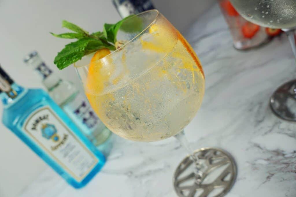 Jak pít gin