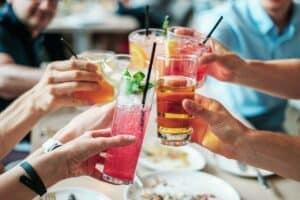 Nejlepší koktejly a míchané drinky